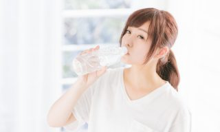 水を飲むと健康になれるって本当?効果的なタイミングも紹介