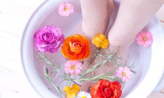 足湯の効果・効能があなどれない!最高に癒される温度と時間は?