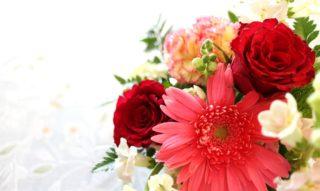フラワーアレンジメントに挑戦!簡単にできる花かごの作り方を紹介