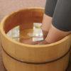 足湯を自宅で行う方法を徹底解説!おすすめ足湯グッズも紹介