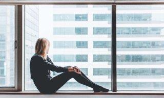 気分が落ち込む時の対処法15選。スッキリ解消するための方法とは?