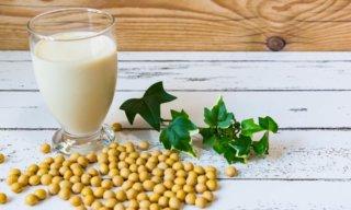 豆乳のおすすめの飲み方10選。適切な摂取量や効果実感までの期間は?